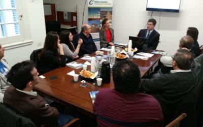 10 compañías asistieron a nueva reunión informativa para conocer cómo asociarse a CADER